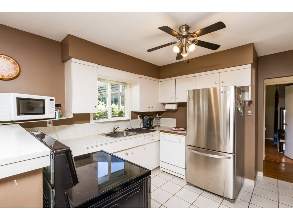 Photo 6: Photos: 11266 LOUGHREN Drive in Surrey: Bolivar Heights House for sale (North Surrey)  : MLS®# R2111434