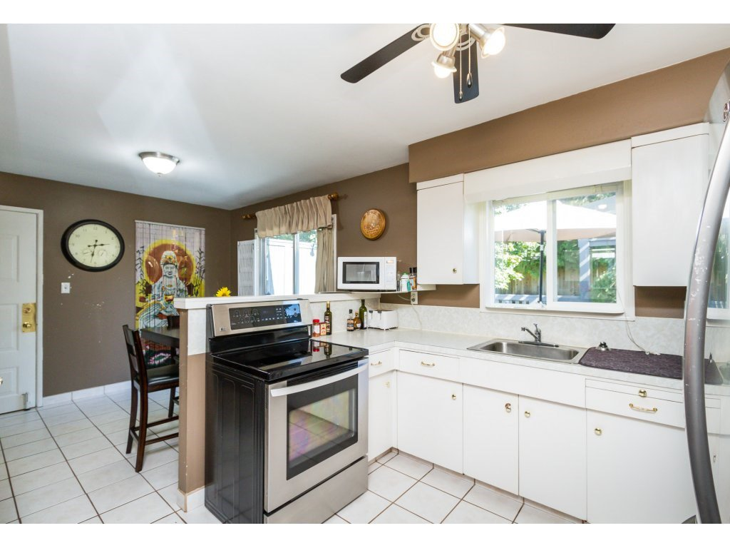 Photo 7: Photos: 11266 LOUGHREN Drive in Surrey: Bolivar Heights House for sale (North Surrey)  : MLS®# R2111434