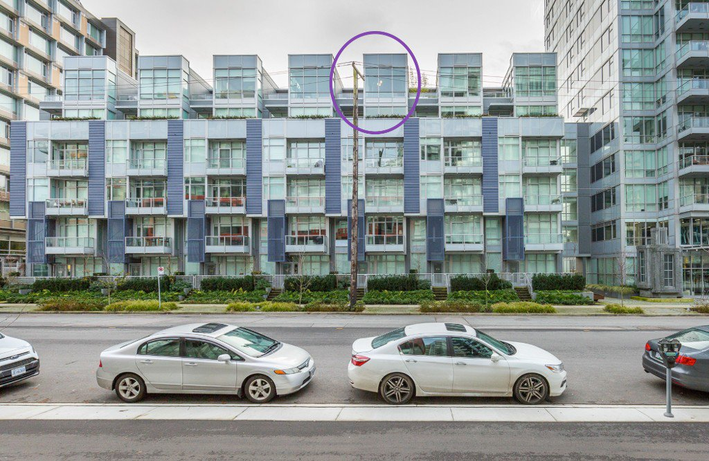 """Main Photo: 712 108 E 1ST Avenue in Vancouver: Mount Pleasant VE Townhouse for sale in """"Meccanica"""" (Vancouver East)  : MLS®# R2126481"""