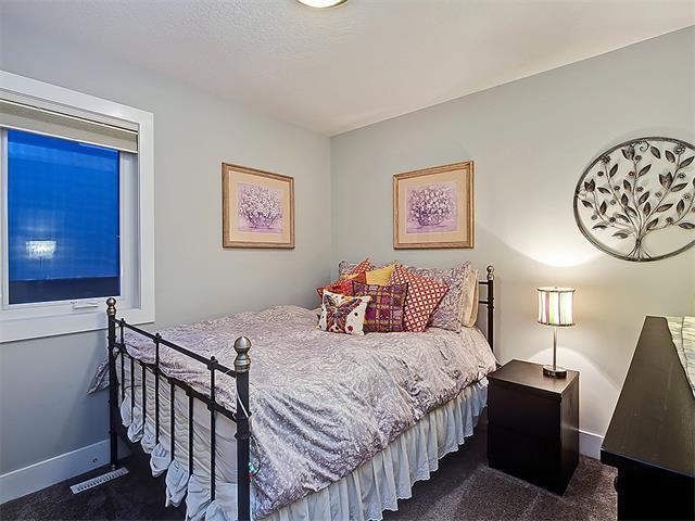 Photo 16: Photos: 1 2423A 29 Street SW in Calgary: Killarney/Glengarry House for sale : MLS®# C4103400