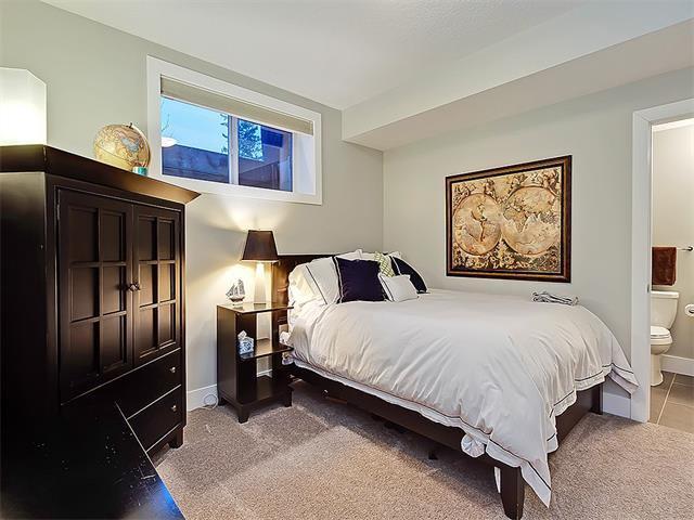 Photo 19: Photos: 1 2423A 29 Street SW in Calgary: Killarney/Glengarry House for sale : MLS®# C4103400
