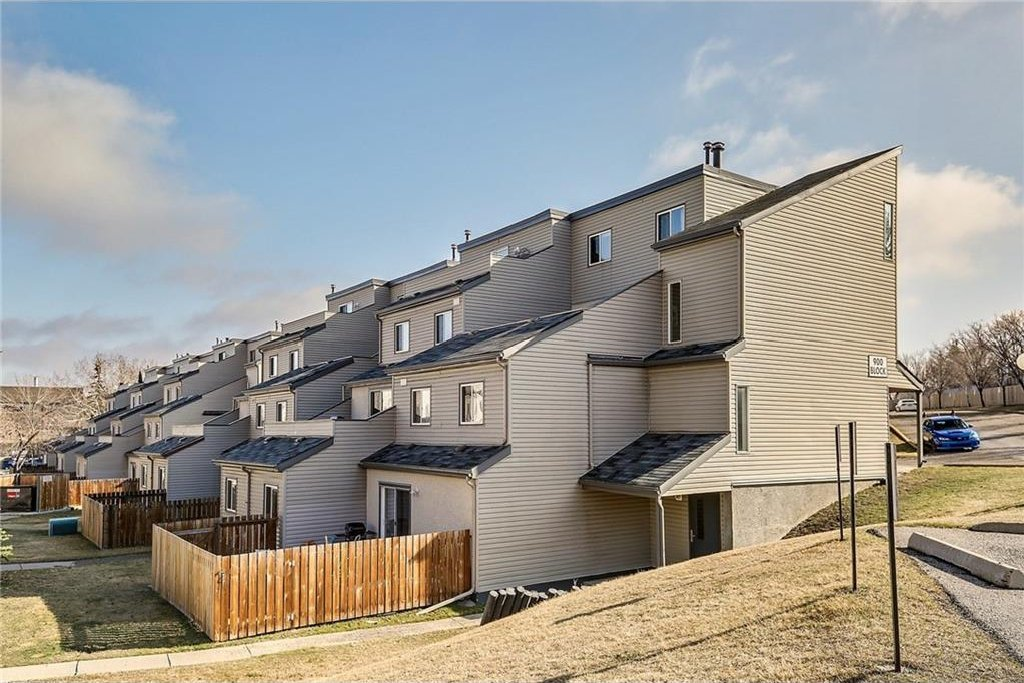 Main Photo: 908 1540 29 Street NW in Calgary: St Andrews Heights Condo for sale : MLS®# C4119982