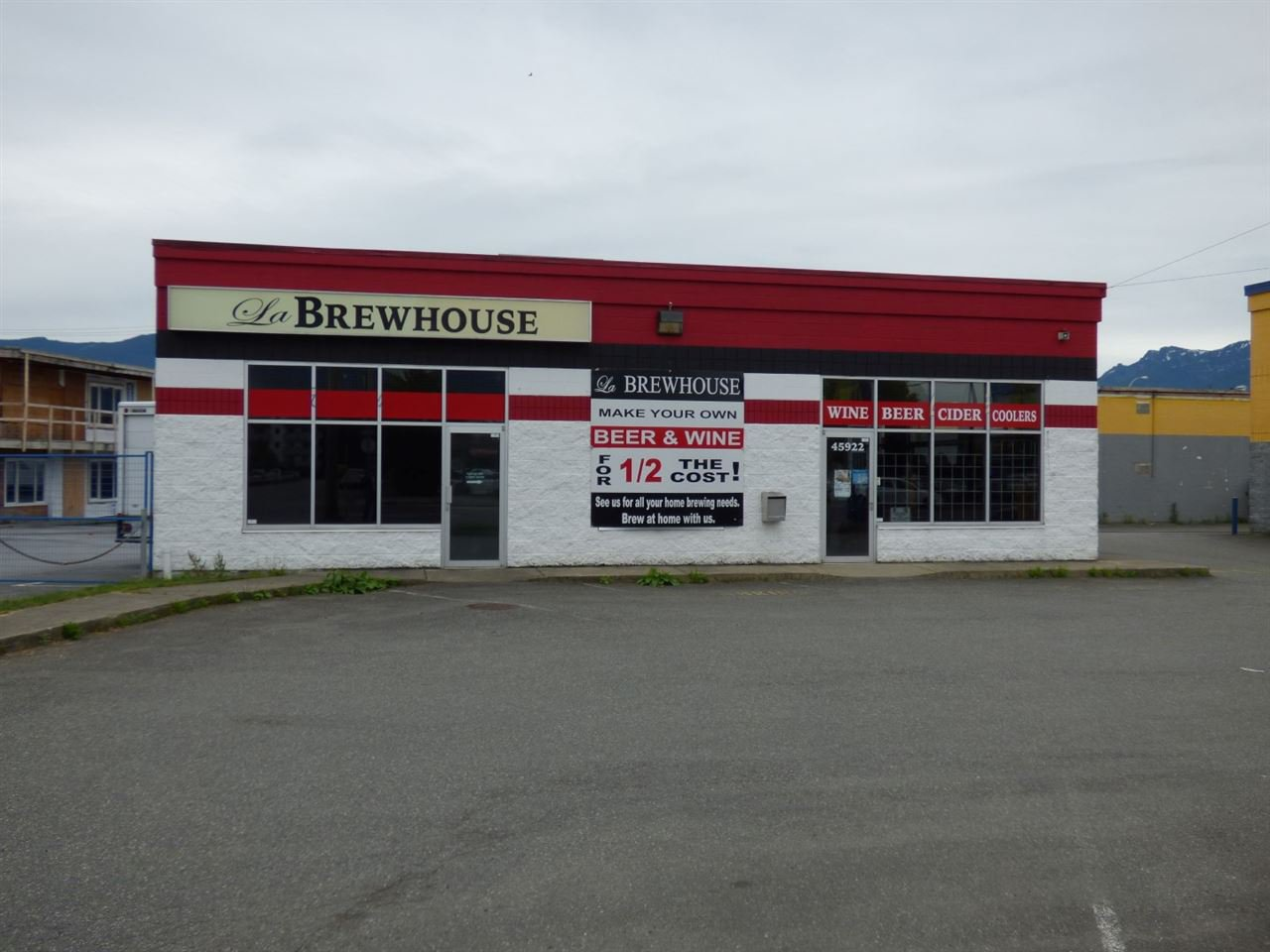 Main Photo: 2 45922 YALE Road in Chilliwack: Chilliwack W Young-Well Retail for sale : MLS®# C8013120