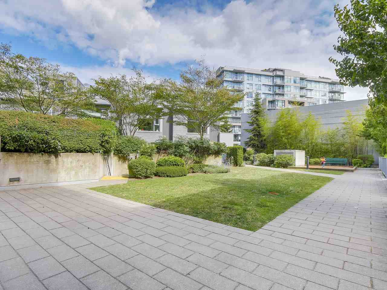 "Photo 17: Photos: 315 328 E 11TH Avenue in Vancouver: Mount Pleasant VE Condo for sale in ""UNO"" (Vancouver East)  : MLS®# R2190801"
