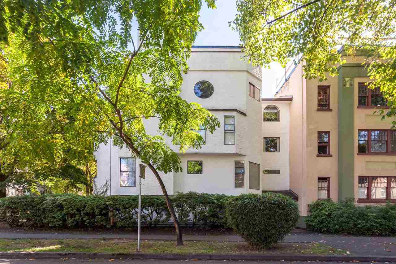 "Main Photo: 305 936 BUTE Street in Vancouver: West End VW Condo for sale in ""Caroline Court"" (Vancouver West)  : MLS®# R2209672"