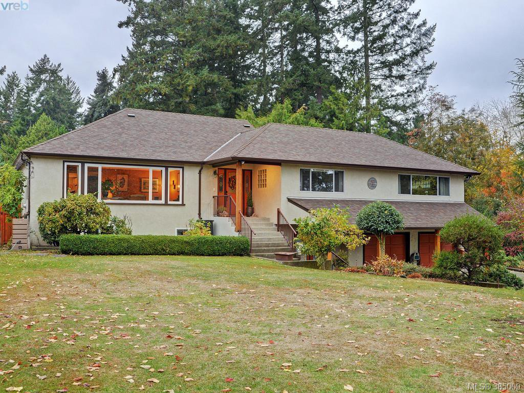 Main Photo: 5450 Alderley Road in VICTORIA: SE Cordova Bay Single Family Detached for sale (Saanich East)  : MLS®# 385009
