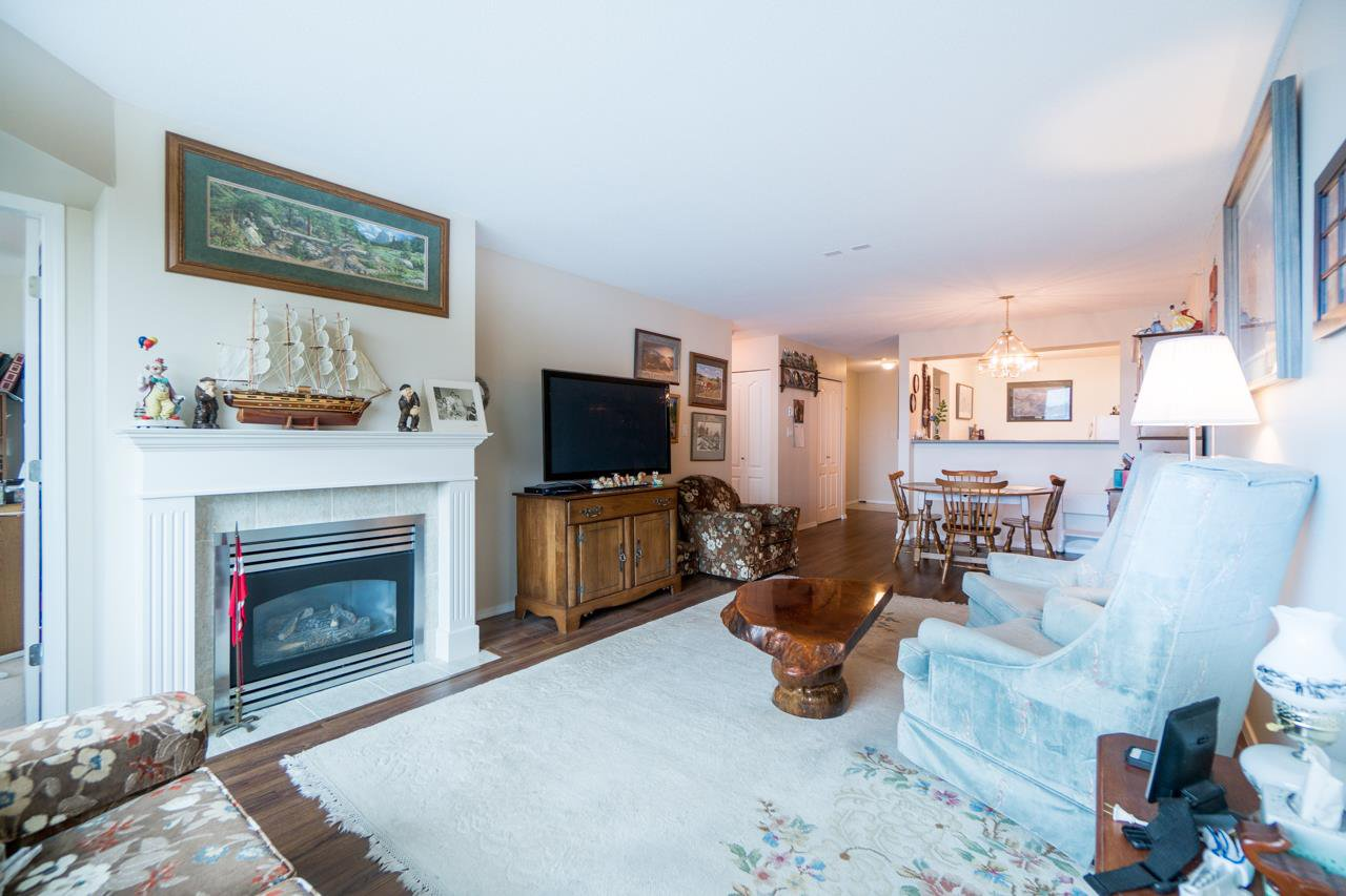 Photo 12: Photos: 504 12148 224 Street in Maple Ridge: East Central Condo for sale : MLS®# R2242803