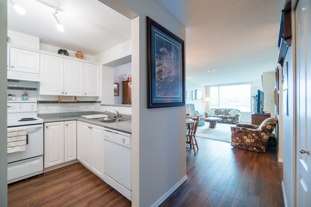 Photo 4: Photos: 504 12148 224 Street in Maple Ridge: East Central Condo for sale : MLS®# R2242803
