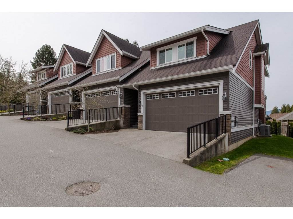 "Main Photo: 9 46808 HUDSON Road in Chilliwack: Promontory Townhouse for sale in ""Cedar Springs"" (Sardis)  : MLS®# R2258017"