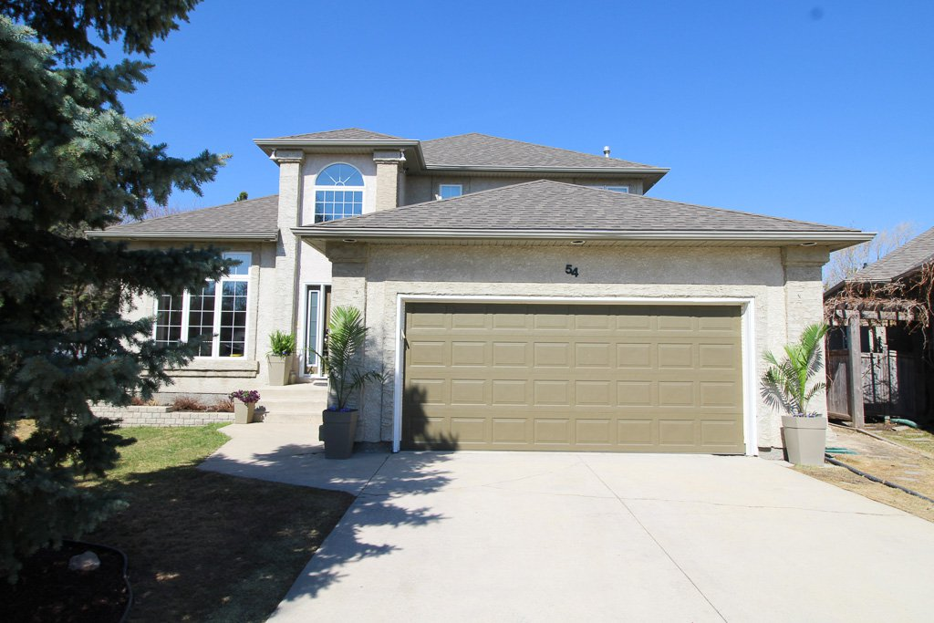 Main Photo: 54 Bloomer Crescent For Sale In Charleswood