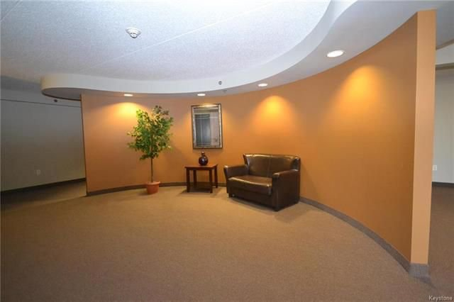 Photo 15: Photos: 609 500 Tache Avenue in Winnipeg: St Boniface Condominium for sale (2A)  : MLS®# 1811343