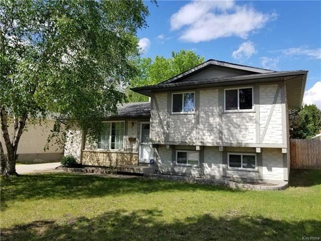 Main Photo: 403 Emerson Avenue in Winnipeg: North Kildonan Residential for sale (3G)  : MLS®# 1814941
