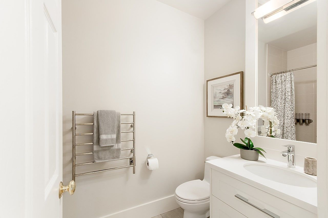 Photo 16: Photos: 3768 W BROADWAY in Vancouver: Point Grey House for sale (Vancouver West)  : MLS®# R2299828