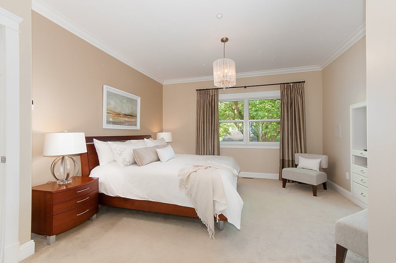 Photo 11: Photos: 3768 W BROADWAY in Vancouver: Point Grey House for sale (Vancouver West)  : MLS®# R2299828