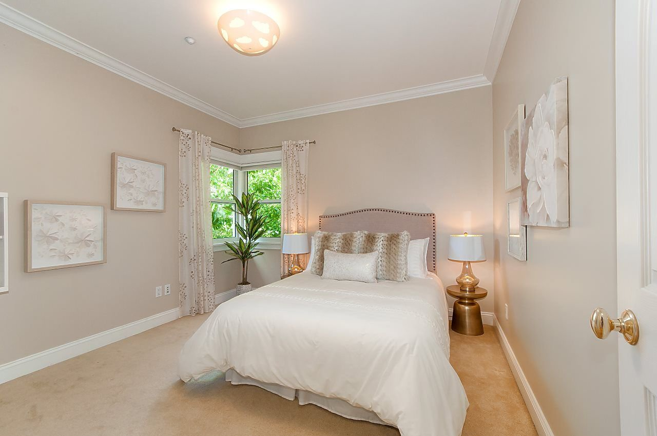 Photo 12: Photos: 3768 W BROADWAY in Vancouver: Point Grey House for sale (Vancouver West)  : MLS®# R2299828