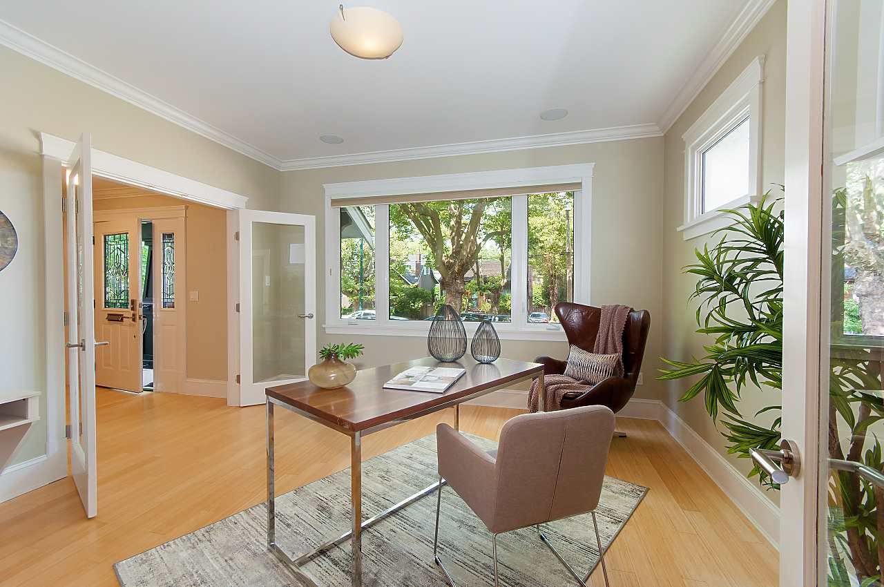 Photo 3: Photos: 3768 W BROADWAY in Vancouver: Point Grey House for sale (Vancouver West)  : MLS®# R2299828