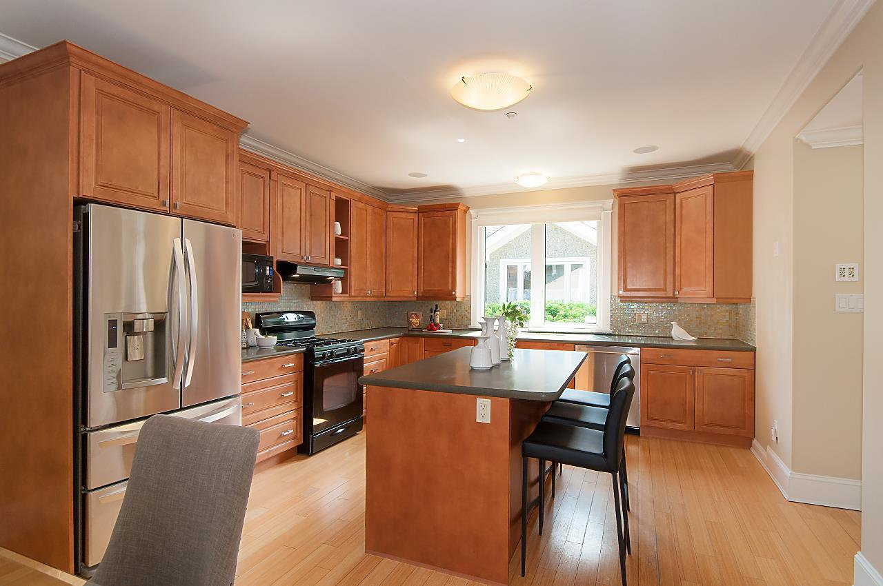 Photo 5: Photos: 3768 W BROADWAY in Vancouver: Point Grey House for sale (Vancouver West)  : MLS®# R2299828