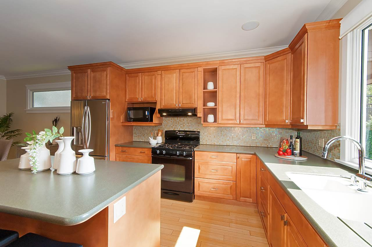 Photo 6: Photos: 3768 W BROADWAY in Vancouver: Point Grey House for sale (Vancouver West)  : MLS®# R2299828