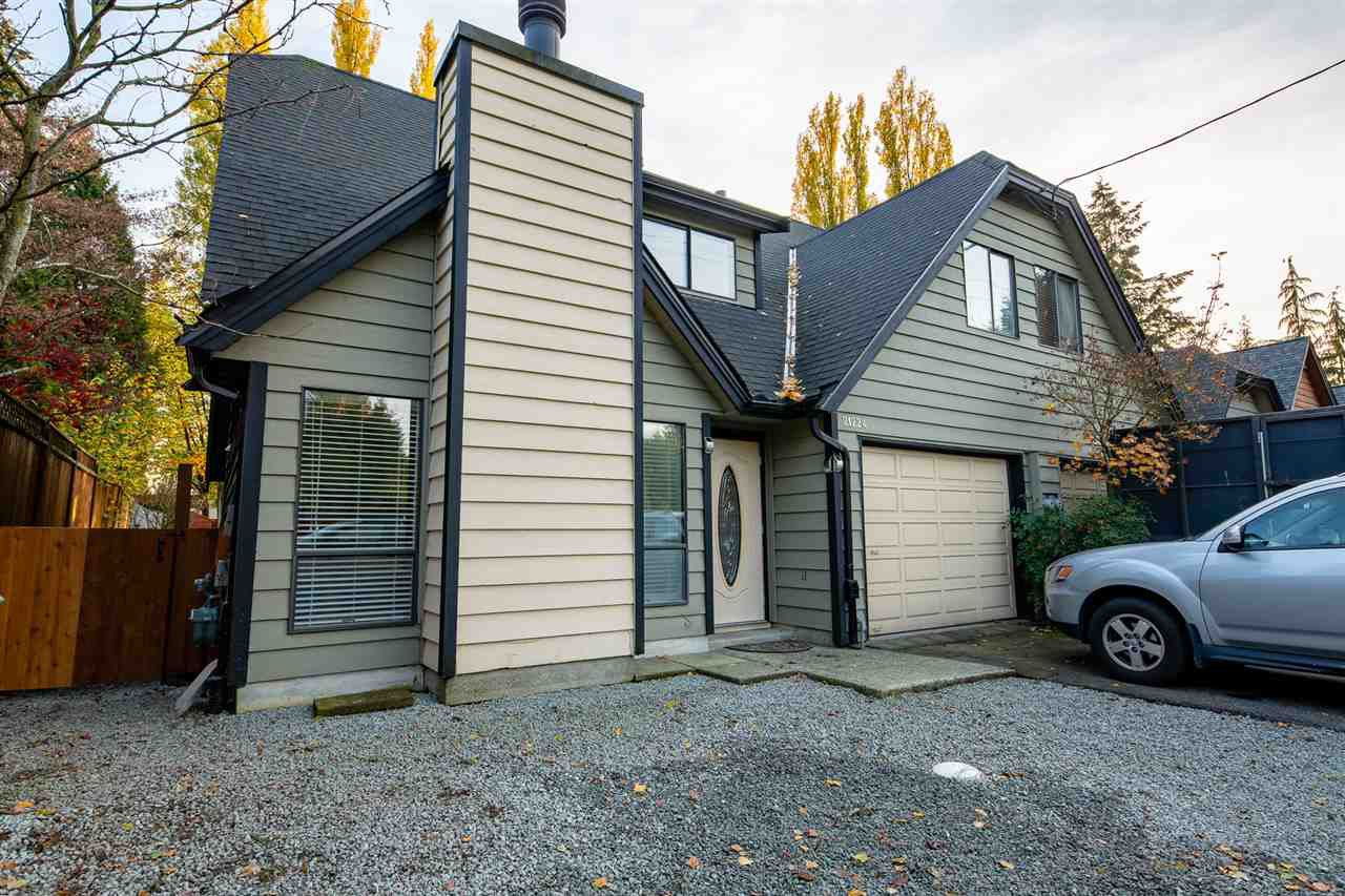 Main Photo: 21224 DEWDNEY TRUNK Road in Maple Ridge: Southwest Maple Ridge House 1/2 Duplex for sale : MLS®# R2322049
