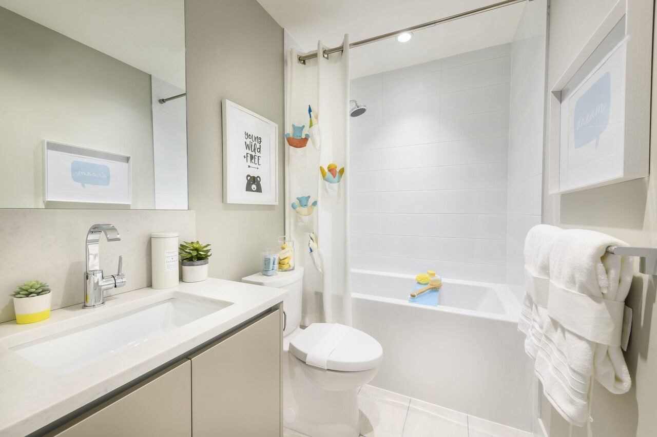 """Photo 10: Photos: 104 2565 RUNNEL Drive in Coquitlam: Eagle Ridge CQ Townhouse for sale in """"Dwell24"""" : MLS®# R2371933"""
