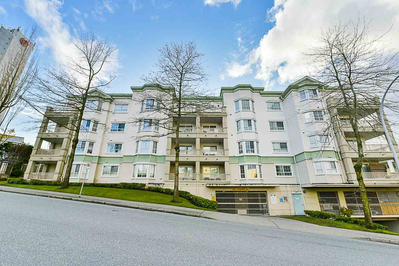 "Main Photo: 402 15268 105 Avenue in Surrey: Guildford Condo for sale in ""Georgian Gardens"" (North Surrey)  : MLS®# R2388628"