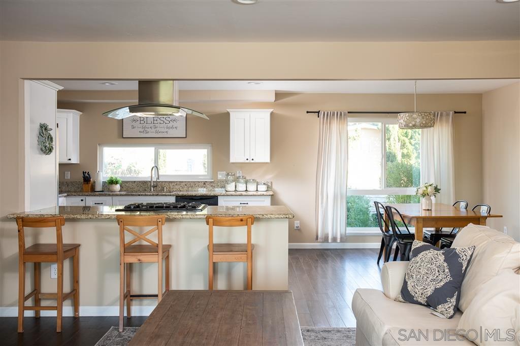 Main Photo: EL CAJON House for sale : 3 bedrooms : 370 Cottonpatch Way