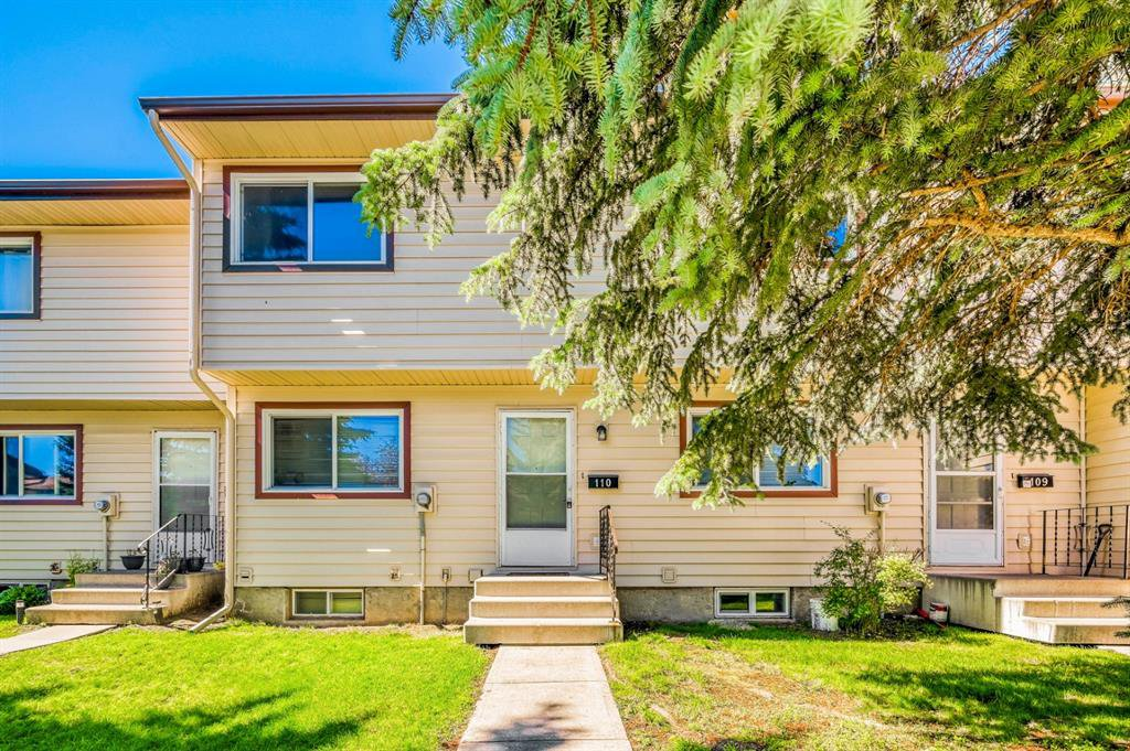Main Photo: 110 6100 4 Avenue NE in Calgary: Marlborough Park Row/Townhouse for sale : MLS®# A1012506