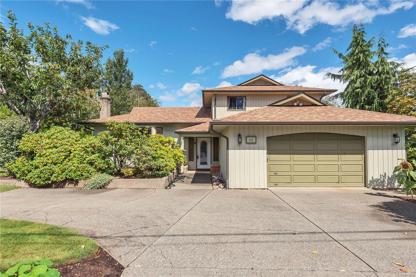 Main Photo: 96 Fairwinds Rd in : CR Campbell River South House for sale (Campbell River)  : MLS®# 853806