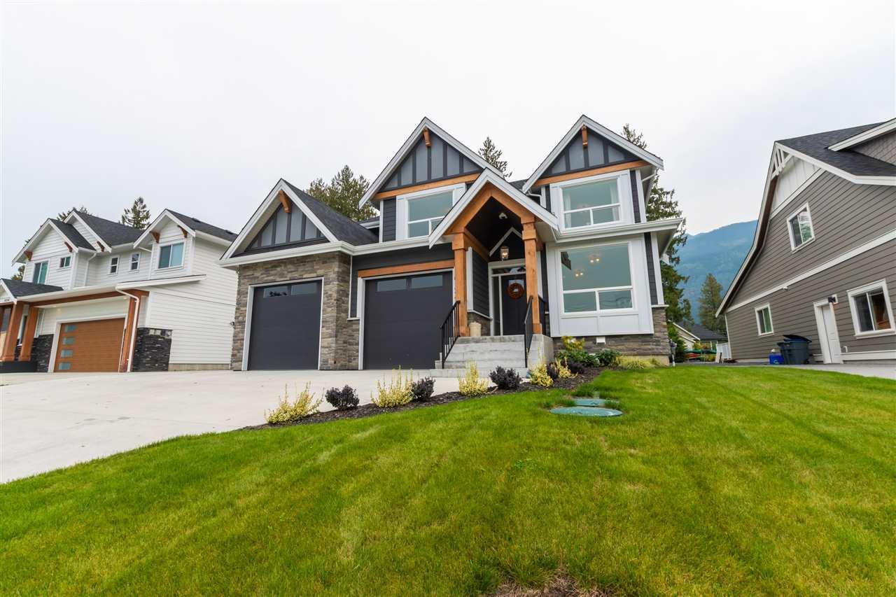 Photo 2: Photos: 10124 PARKWOOD Drive in Rosedale: Rosedale Popkum House for sale : MLS®# R2504620