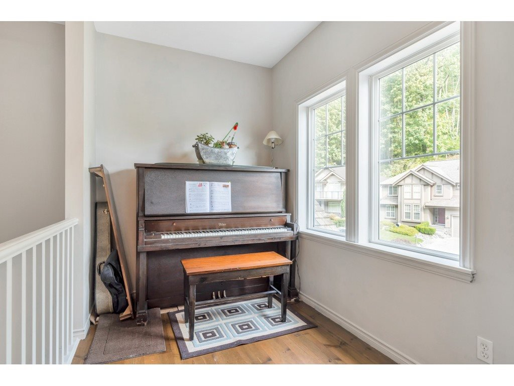 Photo 9: Photos: 35734 REGAL Parkway in Abbotsford: Abbotsford East House for sale : MLS®# R2504492
