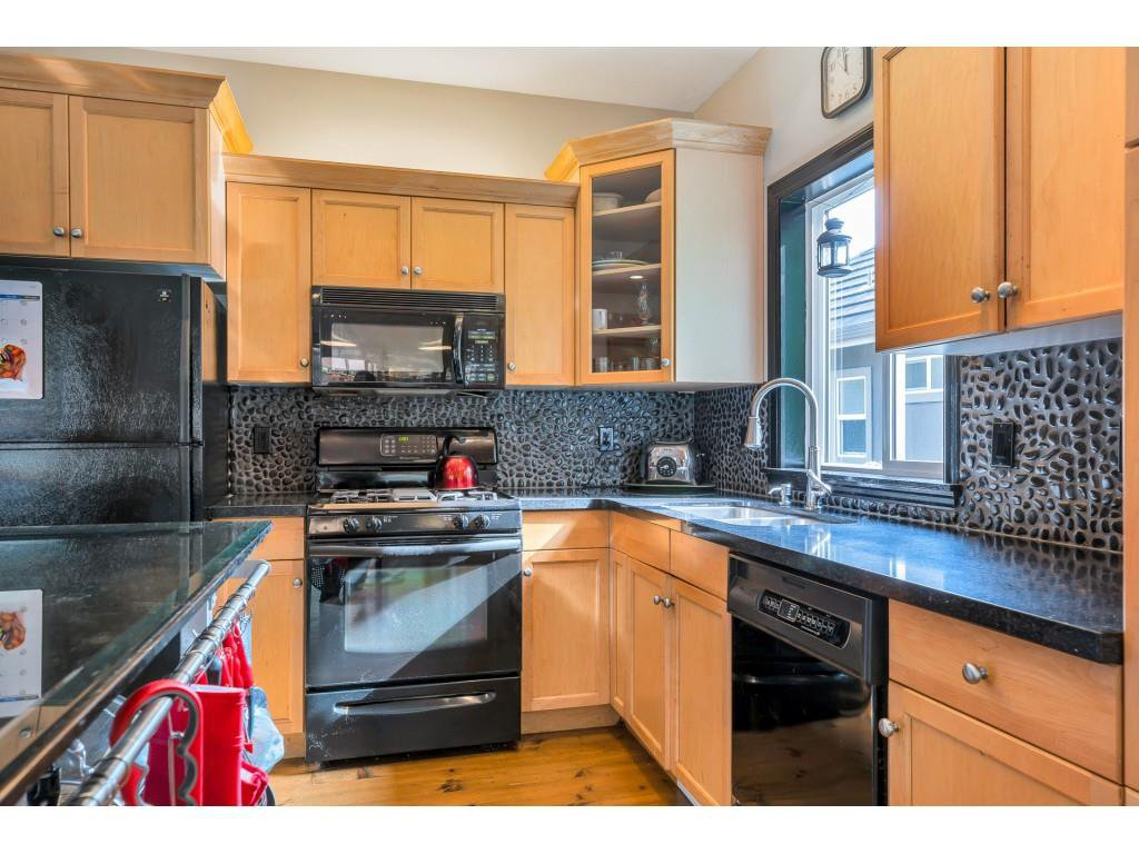 Photo 14: Photos: 35734 REGAL Parkway in Abbotsford: Abbotsford East House for sale : MLS®# R2504492