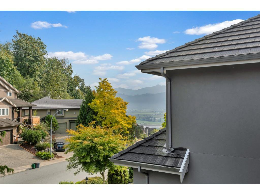 Photo 11: Photos: 35734 REGAL Parkway in Abbotsford: Abbotsford East House for sale : MLS®# R2504492