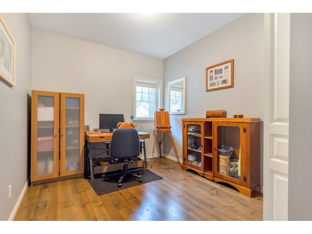 Photo 18: Photos: 35734 REGAL Parkway in Abbotsford: Abbotsford East House for sale : MLS®# R2504492
