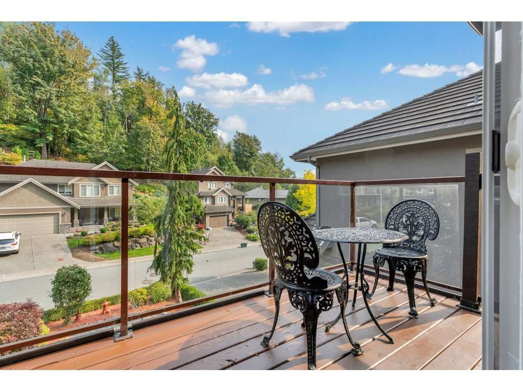 Photo 10: Photos: 35734 REGAL Parkway in Abbotsford: Abbotsford East House for sale : MLS®# R2504492