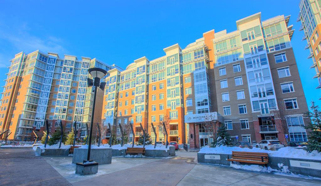 Main Photo: 809 24 Varsity Estates Circle NW in Calgary: Varsity Apartment for sale : MLS®# A1059054
