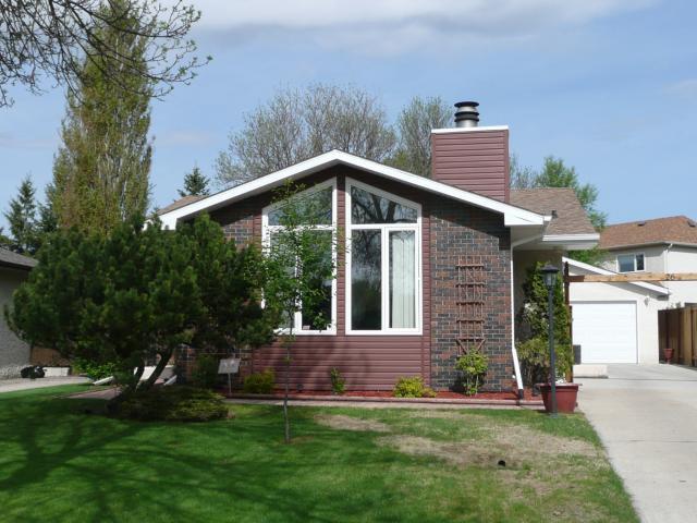 Main Photo: 26 EVENLEA Walk in WINNIPEG: North Kildonan Residential for sale (North East Winnipeg)  : MLS®# 1109916