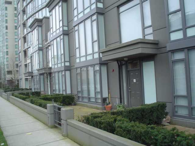 Main Photo: 2 7360 ELMBRIDGE Way in Richmond: Brighouse Condo for sale : MLS®# V940140