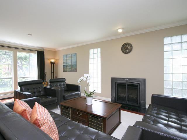 Photo 3: Photos: 3853 W 34TH Avenue in Vancouver: Dunbar House for sale (Vancouver West)  : MLS®# V1064258