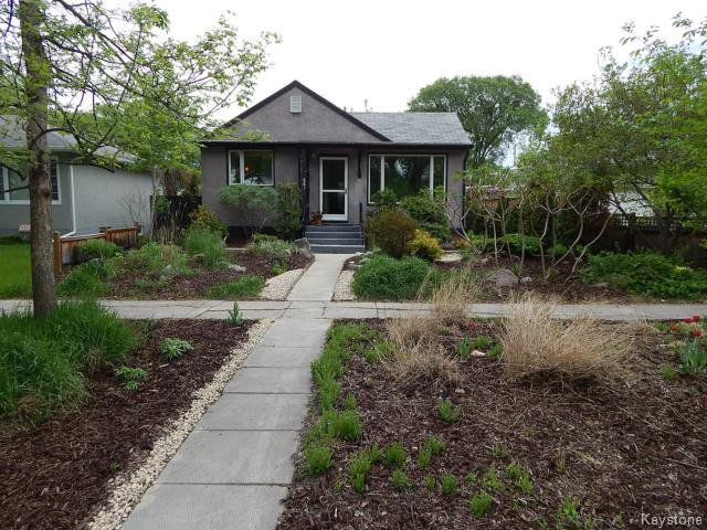 Main Photo: 661 Kildonan Drive in WINNIPEG: East Kildonan Residential for sale (North East Winnipeg)  : MLS®# 1411580