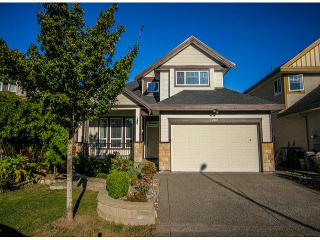 "Main Photo: 7266 198TH Street in Langley: Willoughby Heights House for sale in ""MOUNTAIN VIEW ESTATES"" : MLS®# F1422393"