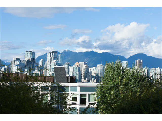 "Main Photo: 204 1082 W 8TH Avenue in Vancouver: Fairview VW Condo for sale in ""La Galleria"" (Vancouver West)  : MLS®# V1085696"