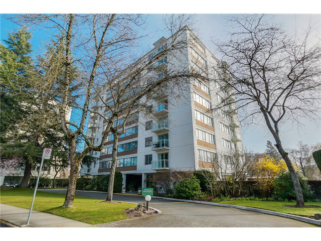 "Main Photo: 705 6076 TISDALL Street in Vancouver: Oakridge VW Condo for sale in ""Mansion House Co Op"" (Vancouver West)  : MLS®# V1110122"