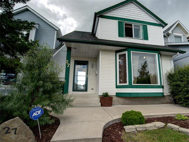 Main Photo: 27 Woodmont Green SW in Calgary: Woodbine House for sale : MLS®# C4022488