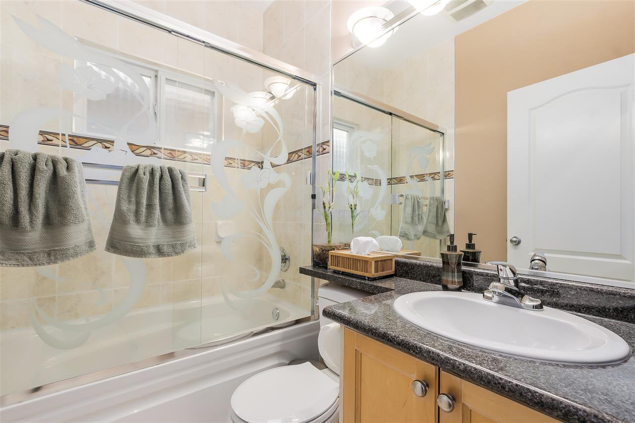 Photo 15: Photos: 4835 CULLODEN Street in Vancouver: Knight House for sale (Vancouver East)  : MLS®# R2019498