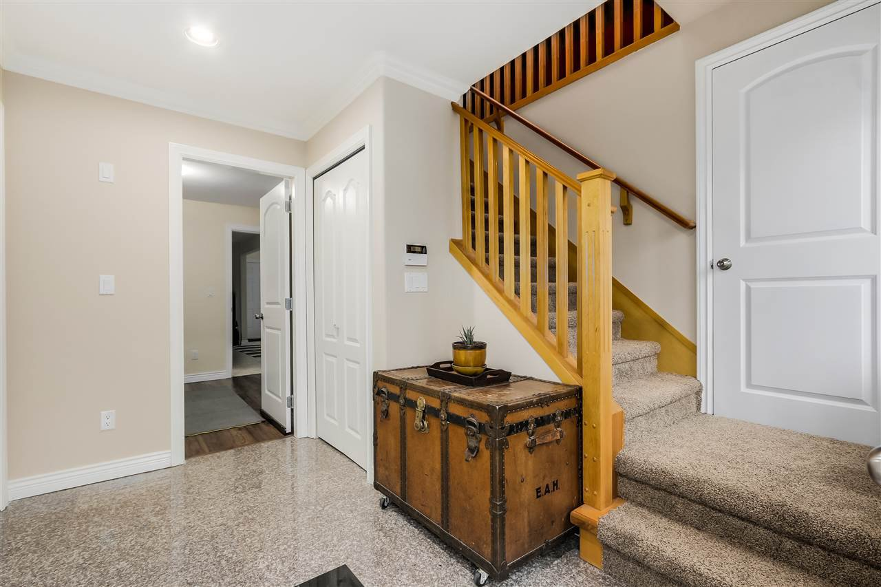 Photo 3: Photos: 4835 CULLODEN Street in Vancouver: Knight House for sale (Vancouver East)  : MLS®# R2019498
