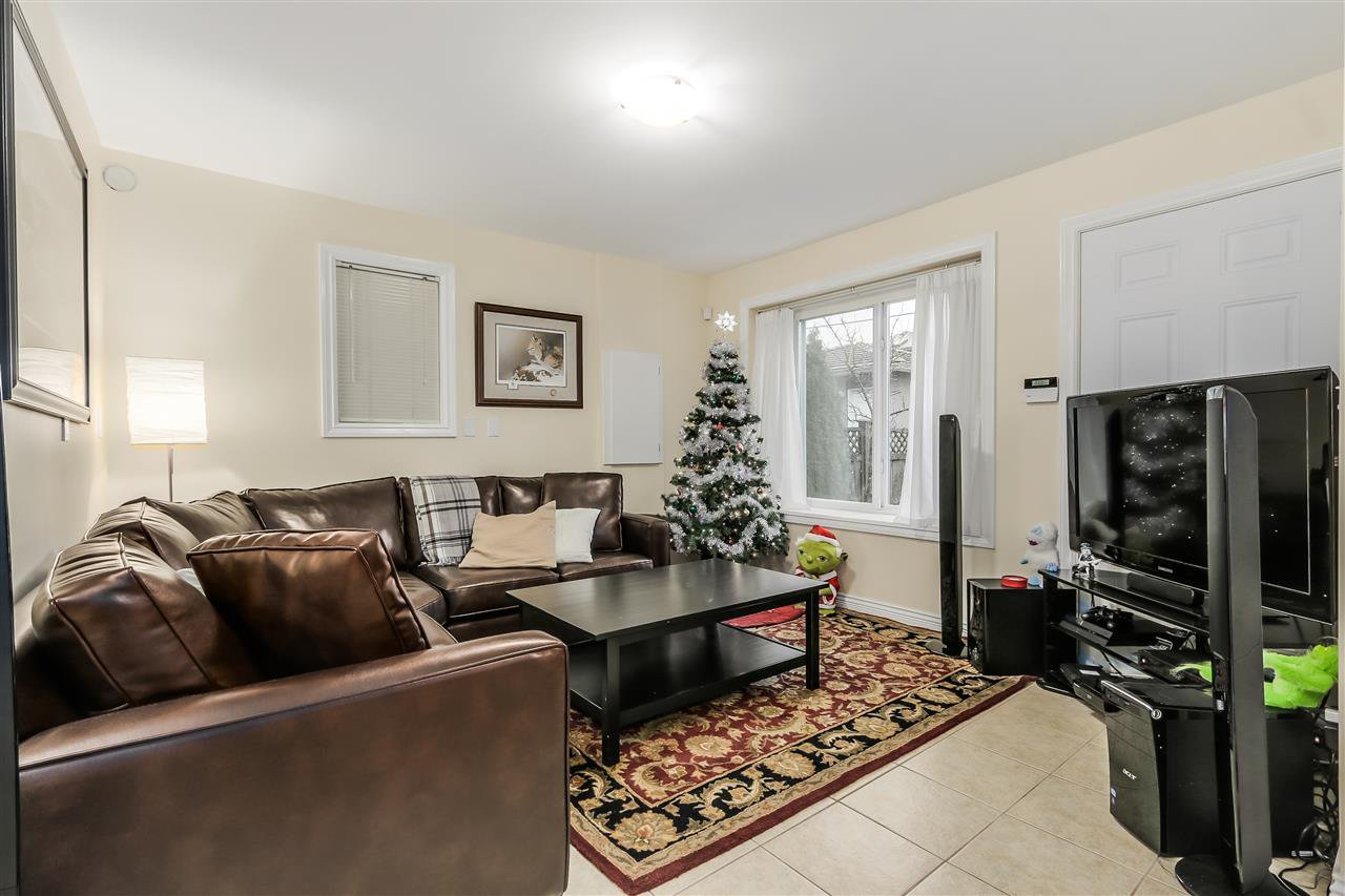 Photo 6: Photos: 4835 CULLODEN Street in Vancouver: Knight House for sale (Vancouver East)  : MLS®# R2019498