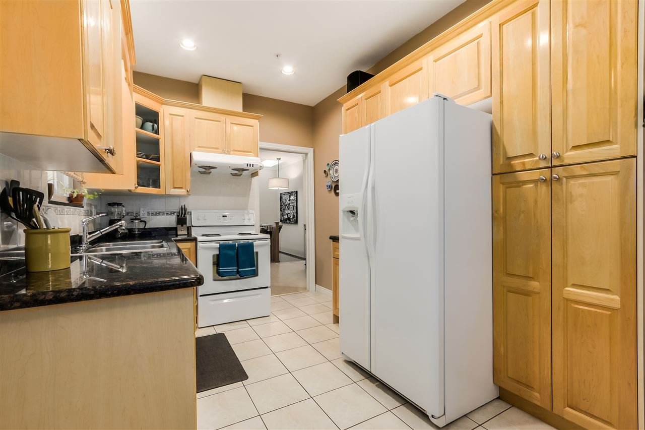 Photo 9: Photos: 4835 CULLODEN Street in Vancouver: Knight House for sale (Vancouver East)  : MLS®# R2019498