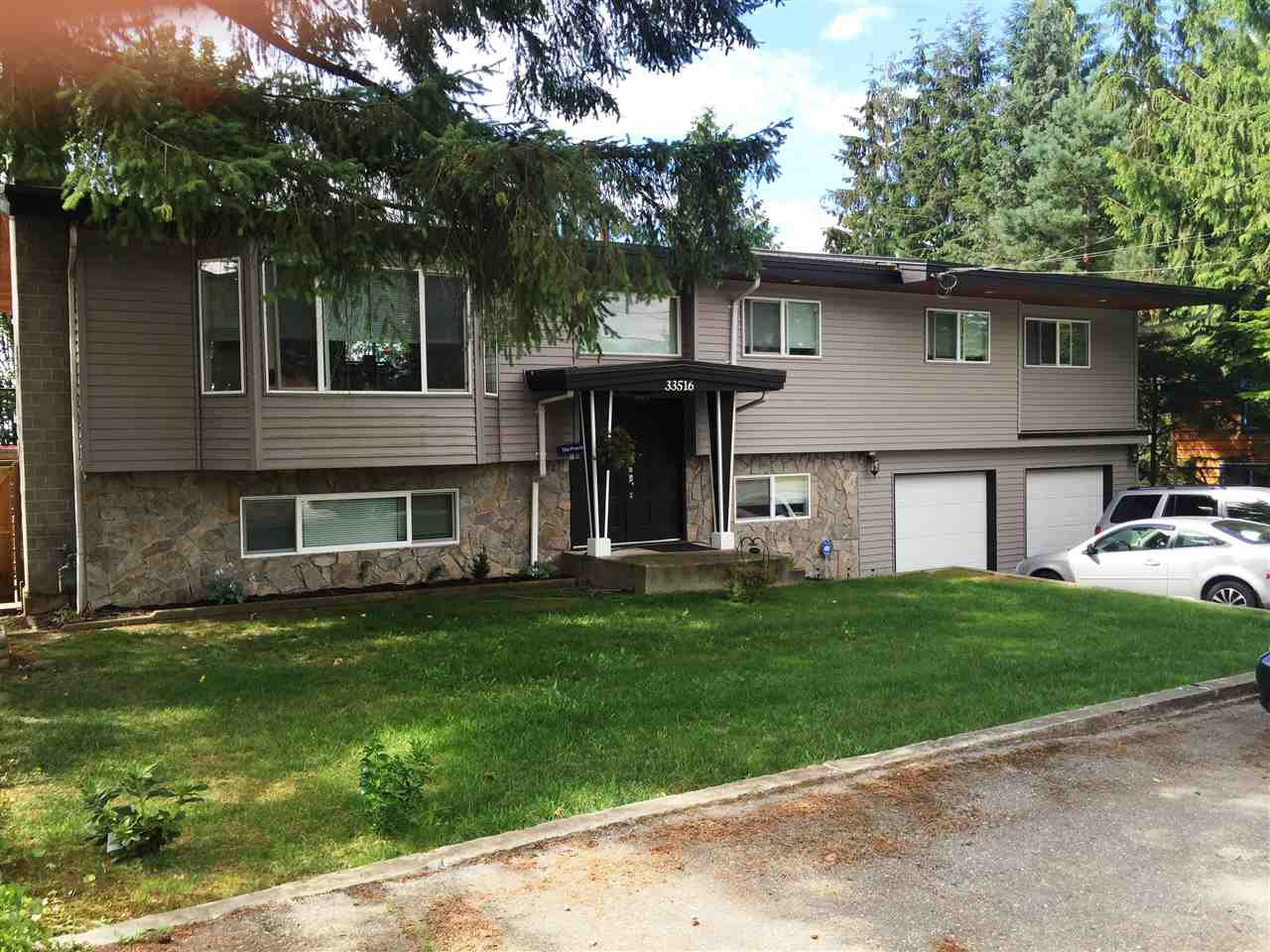 Main Photo: 33516 CHERRY Street in Mission: Mission BC House for sale : MLS®# R2094780