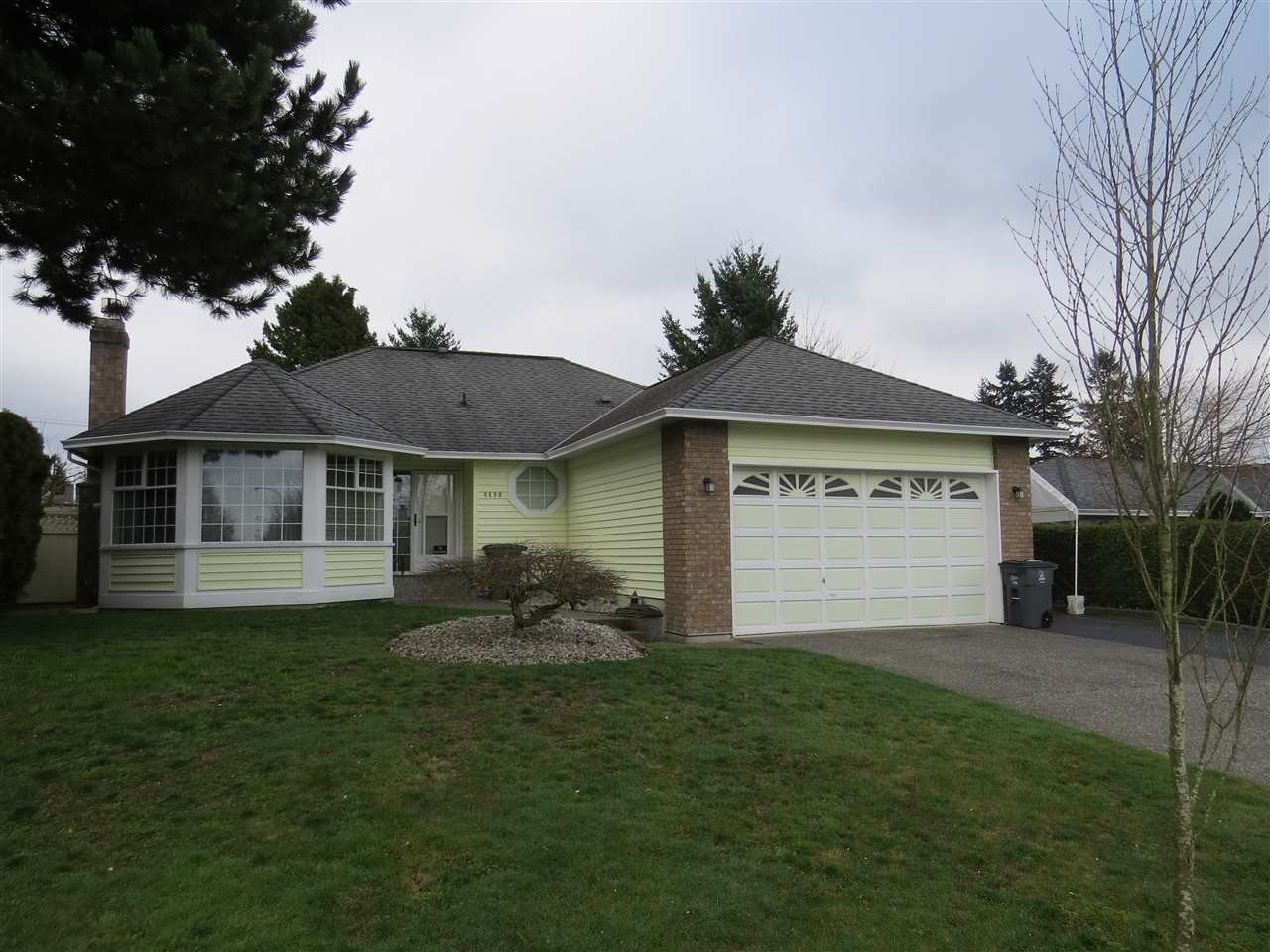 Main Photo: 8490 155A STREET in : Fleetwood Tynehead House for sale : MLS®# R2040656