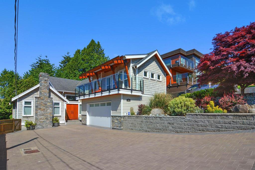 Main Photo: 965 LEE Street: White Rock House for sale (South Surrey White Rock)  : MLS®# R2168868